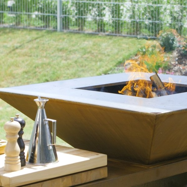 Vulcanus Masterchef Firepit - West Country Stoves